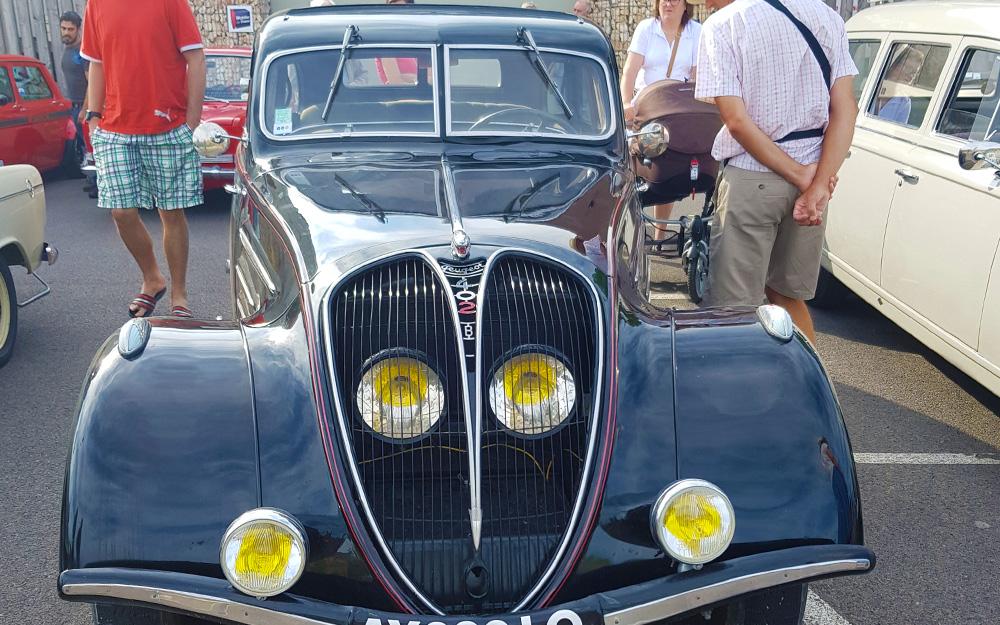 Rassemblement de vieilles autos